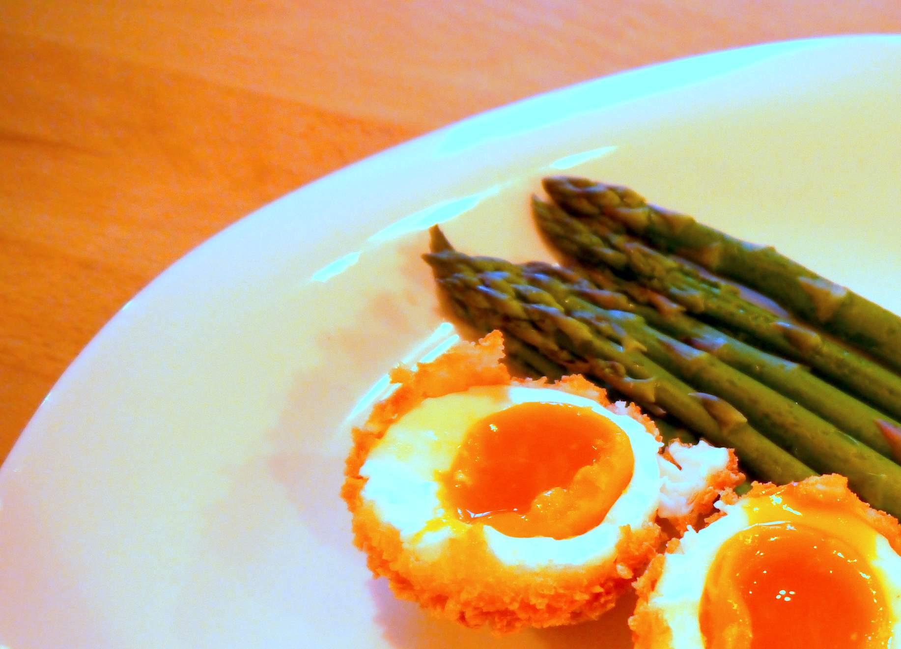 Crispy Eggs with Asparagus Dippers